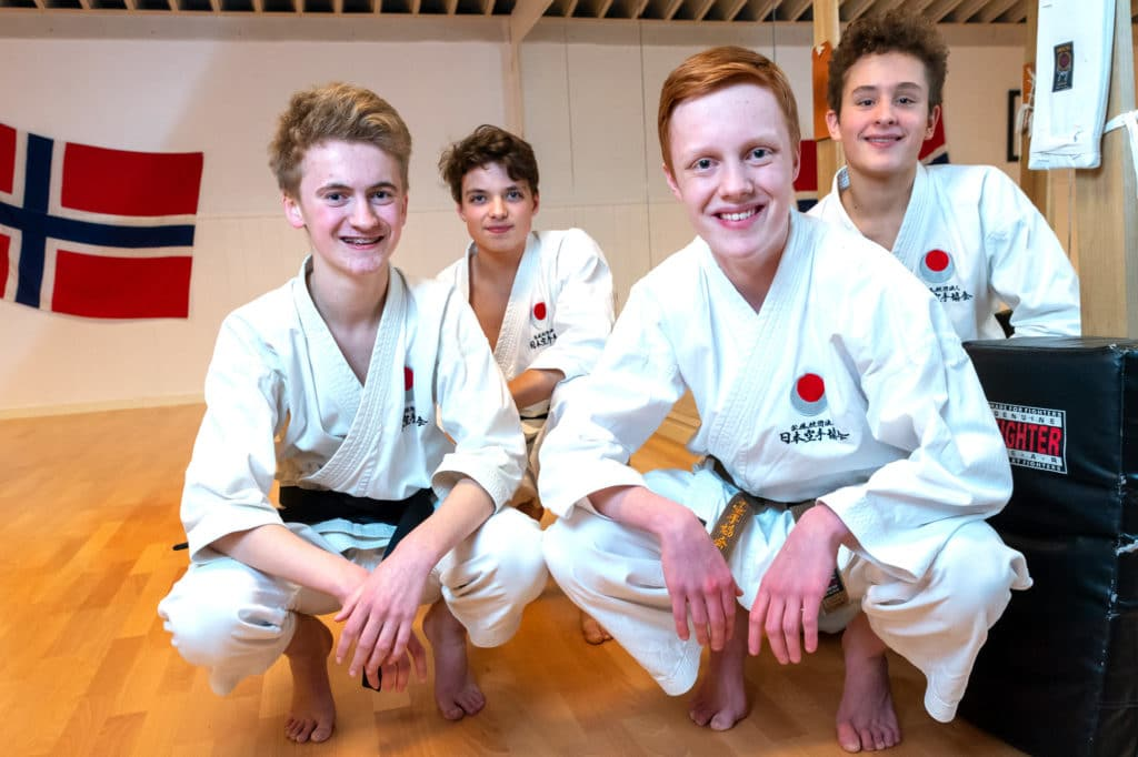 Alexander Aastveit, Eirik Dahle, Peter August Hatletvedt og Kristoffer Nygård traff hverandre i Bjørgvin karateklubbjpg