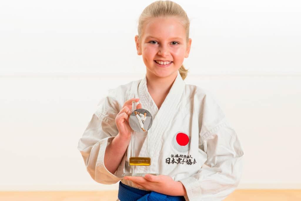 Årets karateka Silje Hjellum Bratten Bjørgvin karateklubb